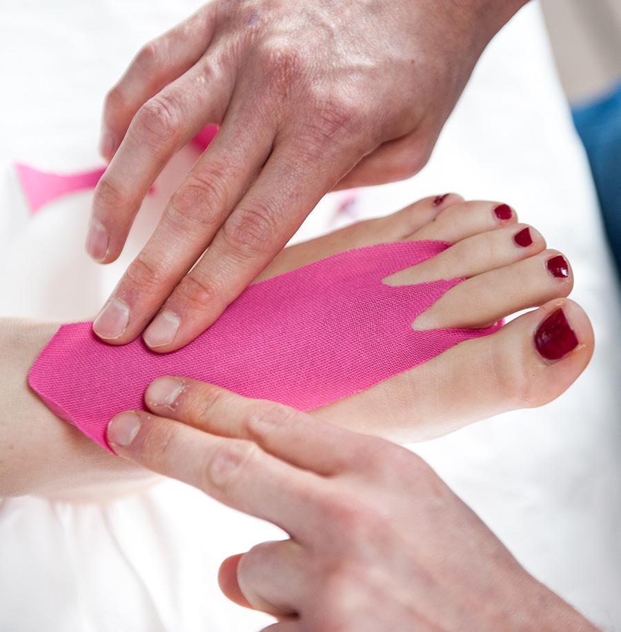 Michelotti Podologo Rieducazione ungueale e applicazione taping