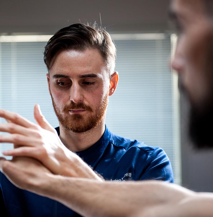 Valutazione posturale mano